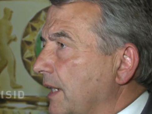 Vizemeister Aaron Brocklehurst wird ein Grizzly