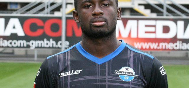 Jamilu Collins erneut für Nigeria am Ball